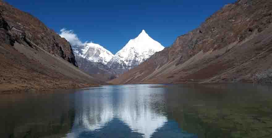 Thousand Lake Trek
