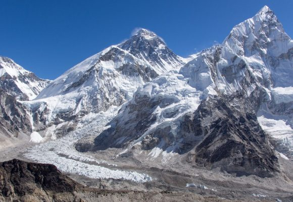 How long does it take to walk to Mt Everest Base Camp